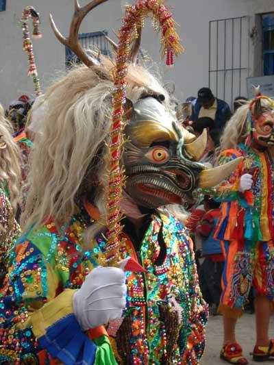 Bailarines en Paucartambo